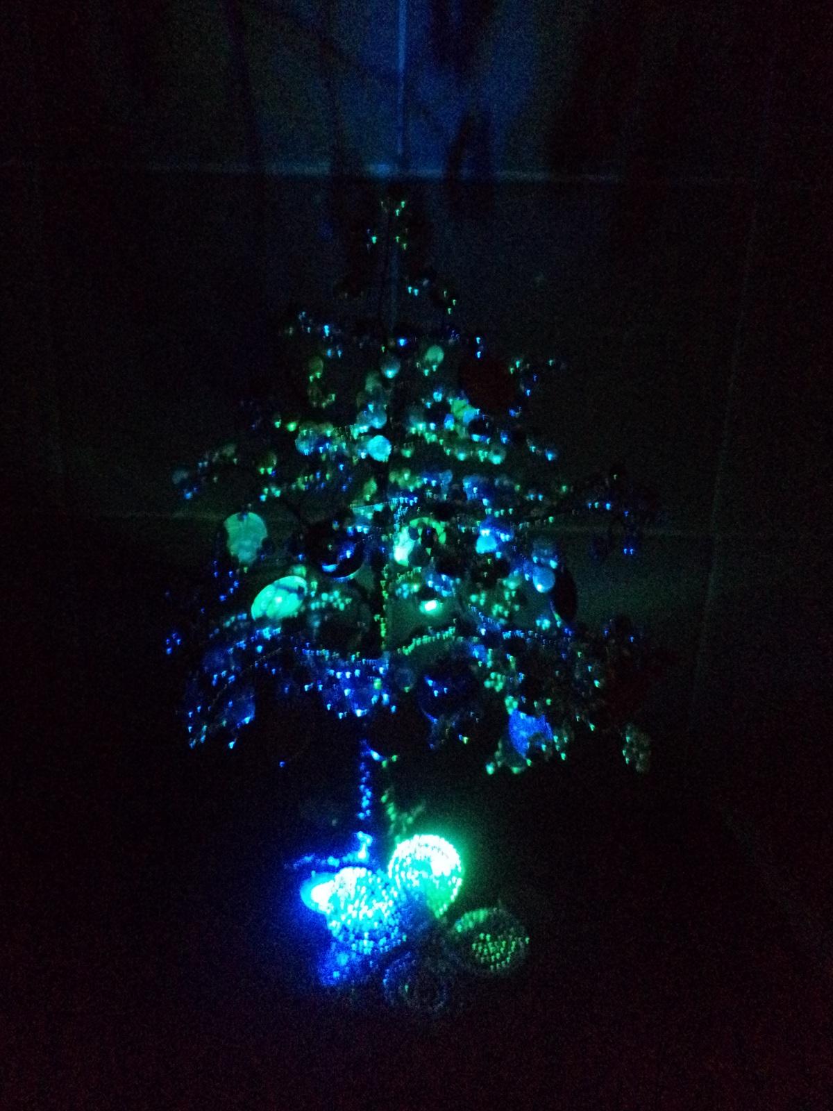 Деревья из бисера с подсветкой фото