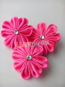 Мастер-класс: Канзаши розовый цветок – красивая заколка для маленькой девочки