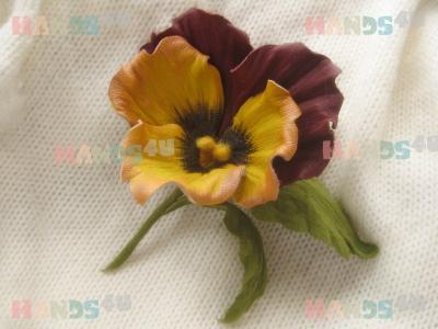 Онлайн мастер-класс цветы из кожи. Брошь Анютка.