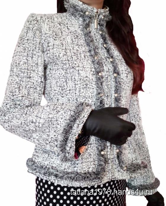 Купить женскую осеннюю верхнюю одежду