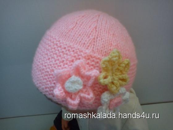 Купить Розовая шапочка с цветочками принцессе, Шапочки, шарфики, Одежда для девочек, Работы для детей ручной работы. Мастер Лада Санарова (RomashkaLada) . пряжа разных цветов