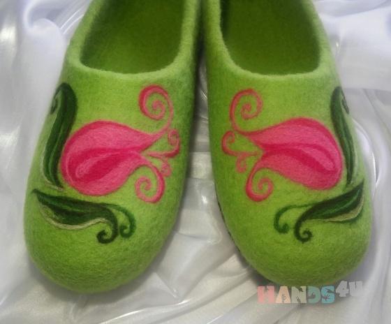 Купить Тапочки Тюльпаны, Домашние тапочки, Обувь ручной работы. Мастер Нелли Ляшкевич (FeltiNelly) . валяние