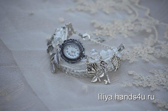 Купить Белые часы-браслет, Часы, Украшения ручной работы. Мастер Лилия Лилия (Liliya) .