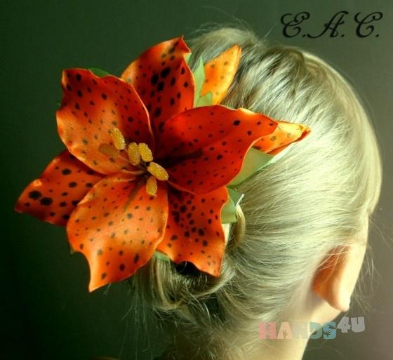 Купить Лилия из атласа, Заколки, Украшения ручной работы. Мастер Елена  (Lena) . цветы из ткани