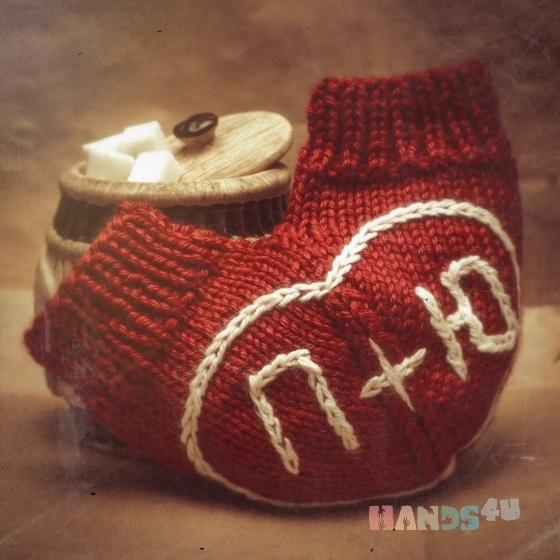 Купить Варежка двойная в форме сердечка, Подарки для влюбленных, Подарки к праздникам ручной работы. Мастер Юлия  (yuliaknit) . любые по желанию заказчика