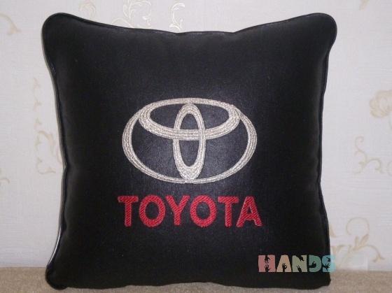 Купить Думочка для TOYOTA, Автомобильные, Сувениры и подарки ручной работы. Мастер Маргарита Милова (Margo-rita) . автомобиль