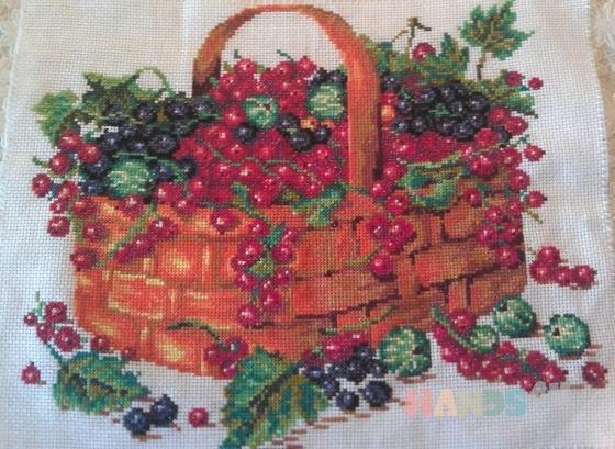 Купить Композиция Корзинка с ягодами, Натюрморт, Картины и панно ручной работы. Мастер Татьяна Клемина (strawberrii) .