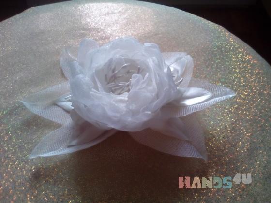 Купить Белый цветок, Текстильные, Заколки, Украшения ручной работы. Мастер   (Nadj22) . заколка ручной работы