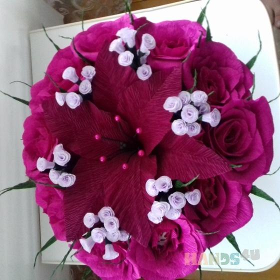 Купить Розы с конфетами в шляпной коробке, Букеты из конфет, Букеты, Цветы и флористика ручной работы. Мастер Светлана Хрущёва (SvetaKN78) . цветы из гофрированной бумаги