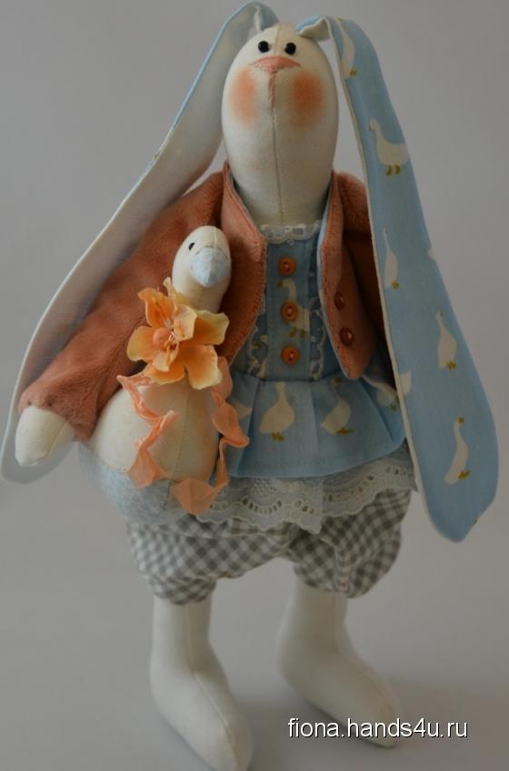 Купить Зая с уткой, Куклы Тильды, Куклы и игрушки ручной работы. Мастер Наталья Пирогова (fiona) . интерьерная игрушка