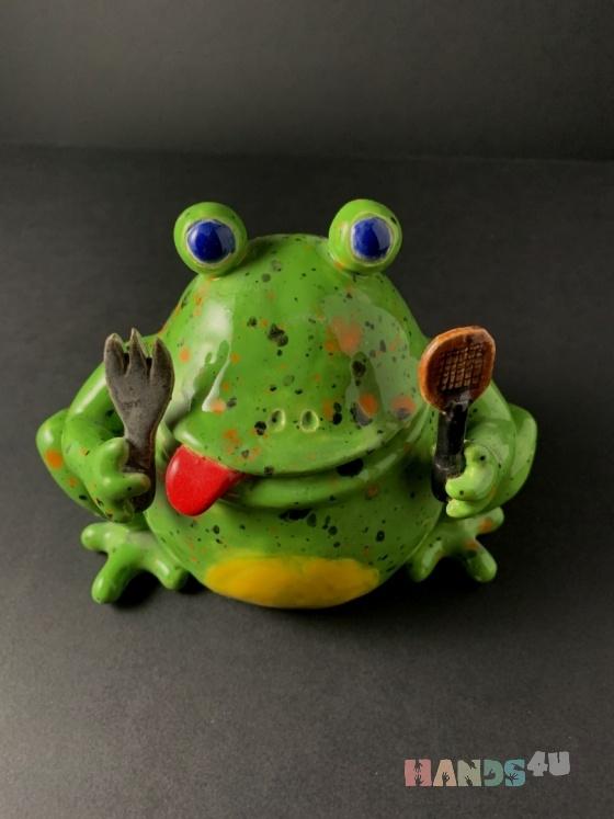 Купить Лягушка за обедом, Статуэтки, Для дома и интерьера ручной работы. Мастер   (Garrynkopol) . авторская керамика